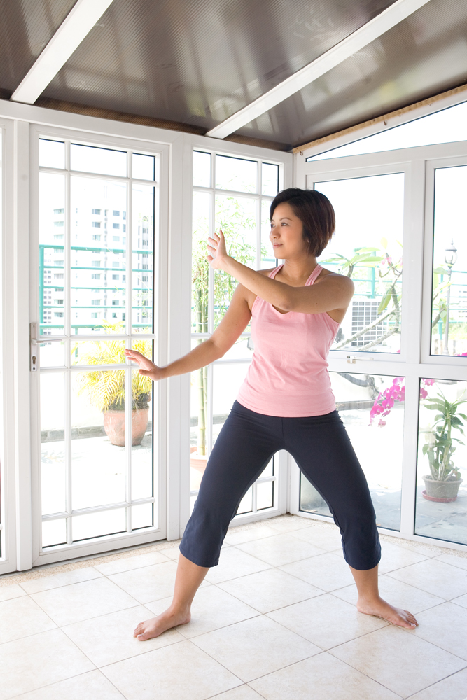 Qigong Hands 8 Easy Ways to N...